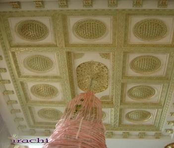 پتینه کاری روی گچ بری سقف