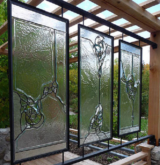 پنجره های تزئینی استین گلاس