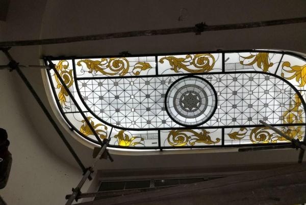 نورگیر شیشه ای استن گلاس