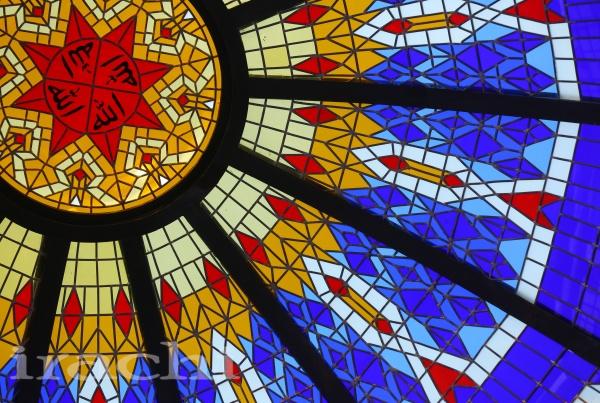 گنبد شیشه ای استین گلاس در مسجد جابری