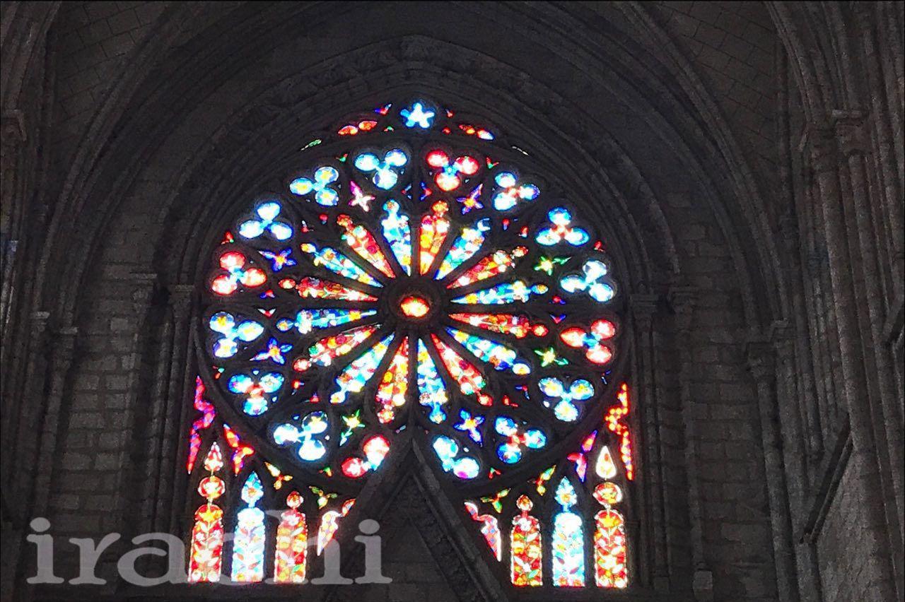 استین گلاس در کلیسا